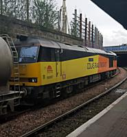 Clic Sargent heading north at Dundee with the Oxwellmains-Craiginches cement.<br><br>[John Yellowlees&nbsp;13/04/2016]