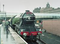 4472 'Flying Scotsman' at Waverley having handed 'The Fair Maid' over to a diesel.<br><br>[Bill Roberton&nbsp;01/10/1983]