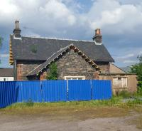 The stationmaster's house at Beattock gives some hint to the architecture of the former main station building. This stands across a small courtyard from the station site.<br><br>[John Yellowlees&nbsp;05/06/2016]