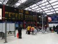 The concourse at Lime Street. From a Scottish perspective at least the lack of ticket machines and ticket barriers is surprising.<br><br>[David Panton&nbsp;29/06/2016]