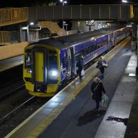 158867 drops off homecoming passengers at Inverkeithing from the 16.35 Edinburgh - Perth service on Christmas Eve.<br><br>[Bill Roberton&nbsp;24/12/2016]
