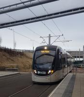 An Edinburgh bound tram arrives at Edinburgh Gateway.<br><br>[John Yellowlees&nbsp;12/12/2016]