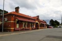 Ballan station on the Melbourne - Ballarat line. In spite of the size, there is only a single line. Sept. 2015. This line features several familiar station names found in Scottish explosives factories - Ardeer and Rockbank (within the Bishopton complex).<br><br>[Colin Miller /09/2015]