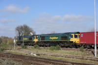 66543 & 66567 double head a Freightliner north to Oxford.<br><br>[Peter Todd 15/03/2017]