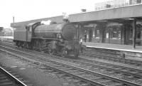 Locally based K1 2-6-0 62036 runs light engine through Doncaster station in July 1961.<br><br>[K A Gray&nbsp;08/07/1961]