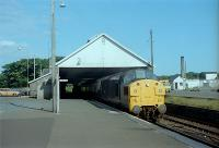 A 37 hauled train waits at Wick.<br><br>[Andy Kirkham&nbsp;//]