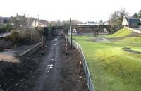 Looking west towards the site of the original Alloa station junction in January 2006, with the trackbed of the former Devon Valley route turning off to the right.<br><br>[John Furnevel&nbsp;03/01/2006]