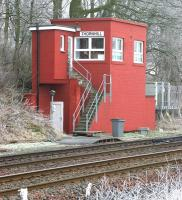 The signal box at Thornhill in January 2006, located on the up side of the line just south of Thornhill station.<br><br>[John Furnevel&nbsp;31/01/2006]