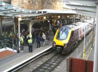 Mass exodus from Waverley platform 8 on 13 July 2017, involving passengers off the 0927 service from North Berwick 8(E) and the 0824 from Milngavie 8(W). Just to add to the festivities the 0900 Glasgow Central – Penzance CrossCountry Voyager is just arriving at platform 9(E).<br><br>[John Furnevel&nbsp;13/07/2017]