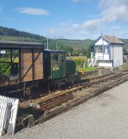 Locomotive 'Balblair' at Rogart station with the relocated west signal box on the right.<br><br>[John Yellowlees&nbsp;17/08/2017]