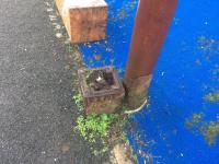 I've walked past this signal post stump at the Port Dundas swing bridge 6 times a week for nearly 2 years without spotting it until last week! A <a target=external href=https://canmore.org.uk/collection/646244>Canmore image</a> appears to show the lamp post but no signal so it must have been removed a long time ago?<br><br>[Martin MacGuire&nbsp;02/10/2017]