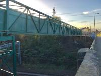 The temporary pedestrian and services bridge now in place at Muirside Road.<br><br>[Colin McDonald&nbsp;29/10/2017]