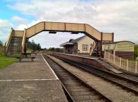 Looking northwards at Blaenavon it is hard to believe that this location was once just sidings for a coal mine. The footbridge is a recent arrival from Hinckley in the English Midlands. 19th August 2017<br><br>[Ken Strachan&nbsp;19/08/2017]