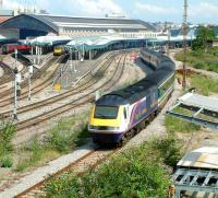 A First Great Western HST about to run into platform 15 on the east side of Bristol Temple Meads station in the summer of 2002.<br><br>[Ian Dinmore&nbsp;02/08/2002]