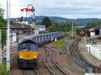 66425 enters Aviemore station with the daily Inverness - Mossend service.  4th July 2017.<br> <br> <br><br>[Graeme Blair&nbsp;04/07/2017]
