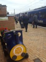 Commuters alighting from the 1633 at Dunbar.<br><br>[John Yellowlees&nbsp;25/09/2017]