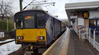 318264 calls at Hyndland station on 19th January 2018 with a service for Dalmuir via Singer. <br> <br><br>[Beth Crawford&nbsp;19/01/2018]