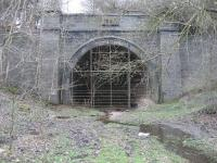 The southern portal of Catesby Tunnel on the former GCR, looking in less than perfect condition 110 years after the date carved in the stone at the top of the arch, 1897.<br><br>[John McIntyre&nbsp;23/03/2007]