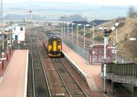 Southbound train arriving at New Cumnock on 29 March 2006.<br><br>[John Furnevel&nbsp;29/03/2006]