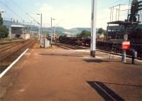 East end of Dumbarton Central. Signalbox and slow eastbound line still in use.<br><br>[Ewan Crawford&nbsp;//1987]