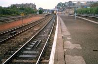 Springburn. Left to right; site of North British Locomotives, Sighthill Branch (now lifted), CGU through platforms (Cumbernauld trains) and CGU bay platforms (Milngavie trains).<br><br>[Ewan Crawford&nbsp;//1987]