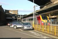A Sunday morning train for Aberdeen standing at Waverley platform 21 on 16 April 2006.<br><br>[John Furnevel&nbsp;16/04/2006]