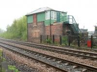 Looking north towards Blaydon signal box in May 2006. The box is angled towards the trackbed of the line that once turned off here to cross Scotswood Viaduct and take the North Tyne route into Newcastle. [See image 38015] <br><br>[John Furnevel 07/05/2006]