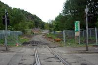 Near Causewayhead welding together of rail sections begins.<br><br>[Ewan Crawford&nbsp;21/05/2006]