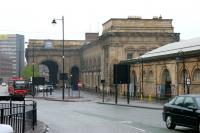 Newcastle Central looking down Neville Street in 2006. The arched entrances on the right gave access to goods, parcels and other facilities on the west side of the station.<br><br>[John Furnevel&nbsp;07/05/2006]