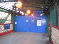 The cross-station walkway leading to the north side of Waverley blocked off on 28 May 2006.<br><br>[John Furnevel&nbsp;28/05/2006]