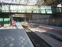 The new Balmoral platform on the north side of Waverley on 28 May, looking west along platform 1.<br><br>[John Furnevel&nbsp;28/05/2006]