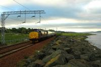 London - Fort William sleeper approaching Cardross from the east. Less than a week for the 37s to go ...<br><br>[Ewan Crawford&nbsp;03/06/2006]