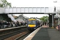 Monday morning rush hour at Inverkeithing station - view south in June 2006.<br><br>[John Furnevel&nbsp;/06/2006]