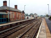 Hartlebury station and box looking north.<br><br>[Ewan Crawford&nbsp;06/07/2006]