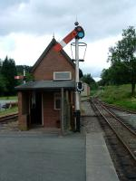 Welshpool Raven Square looking west. Signalbox and signalling.<br><br>[Ewan Crawford&nbsp;10/07/2006]